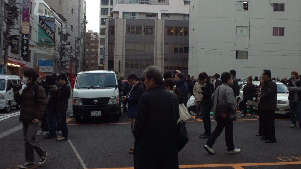 東日本大震災当日の15時17分、秋月電子前の様子